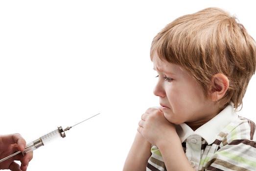 Почему ребенок боится докторов?