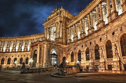 Хофбург — место, которое обязательно нужно увидеть в Вене