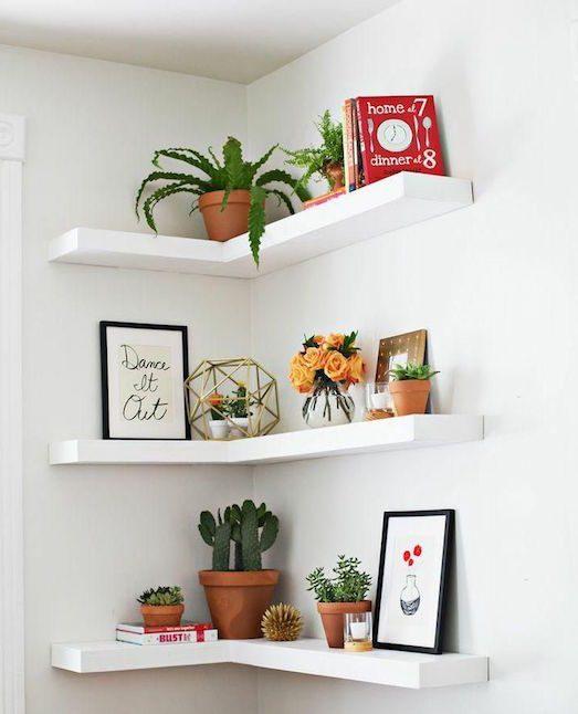 Как можно оформить угол в помещении?