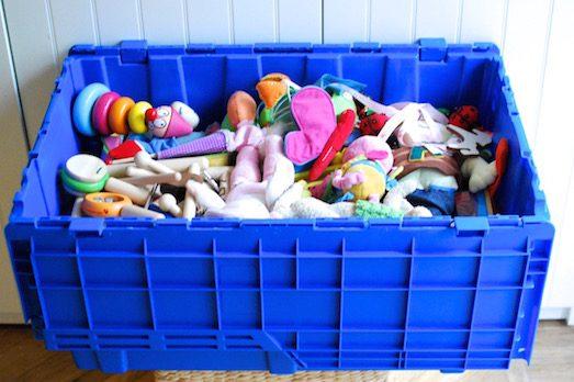 Как правильно хранить новогодние игрушки и гирлянды?