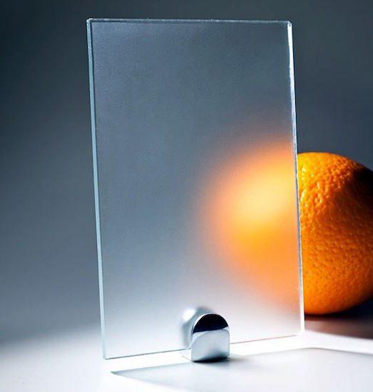 Каким образом можно сделать матовое стекло?