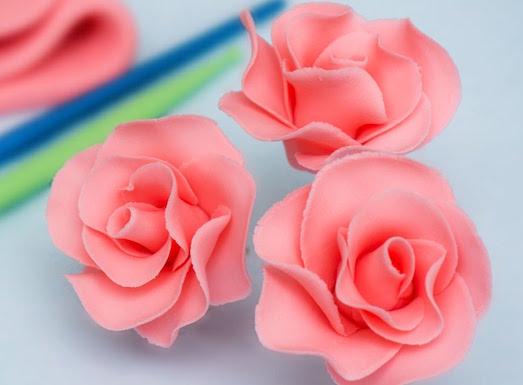 Как сделать розы для украшения торта?