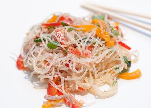 Фунчоза — оригинальный и очень вкусный салат