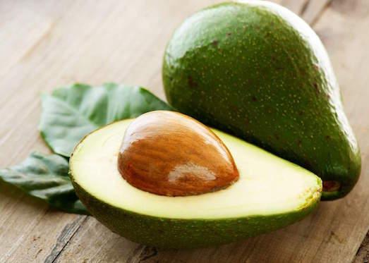 Какими свойствами обладает авокадо?