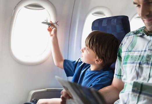 Как организовать поездку ребенка за границу без родителей?
