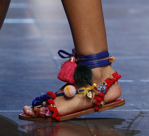 Самые модные варианты босоножек в 2017