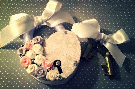 Замок — милый свадебный аксессуар