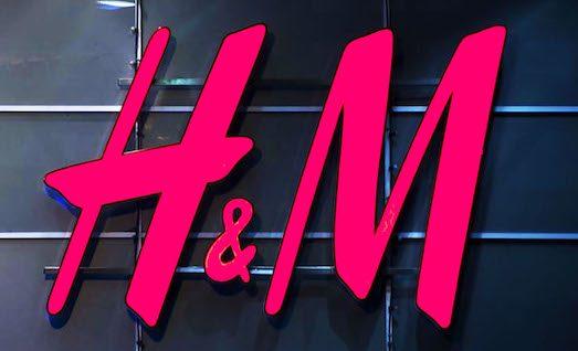 abc6b40ae224 H&M. Вещи этой торговой марки неизвестны только ленивым. Шведская компания  специализируется на одежде, обуви, аксессуарах и даже косметике в средней  ценовой ...