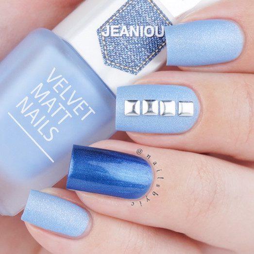 Стильный и нежный маникюр голубого цвета