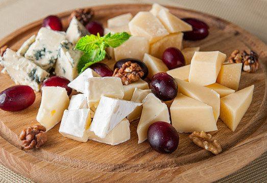 Как собрать изысканную сырную тарелку изоражения