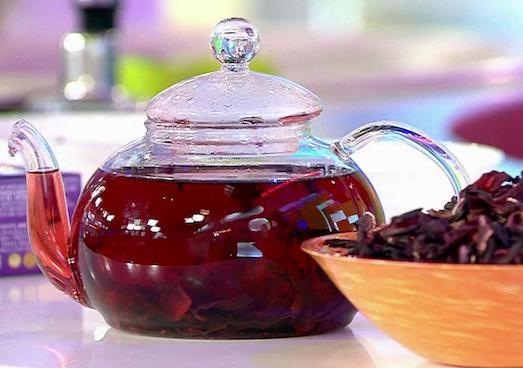 Освежающий коктейль из суданской розы