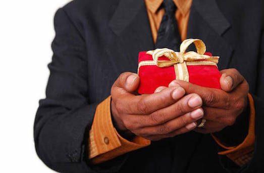 Який подарунок можна зробити на 40-ка річчя?
