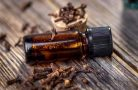 Чем полезно гвоздичное масло для организма?