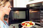 Как правильно разогревать еду в микроволновке?