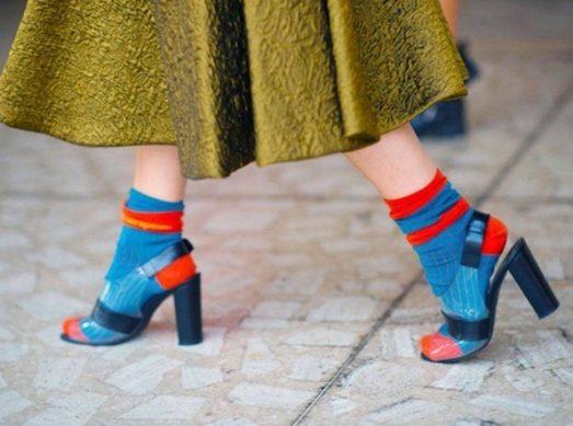 Обувь с носками: треш или пик моды?