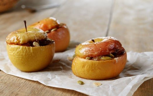 10 рецептов запеченных яблок