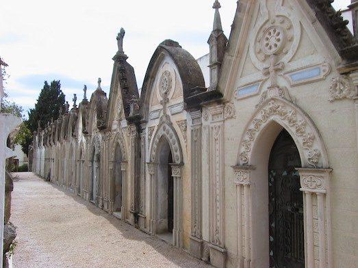 Топ 7 самых роскошных кладбищ в мире