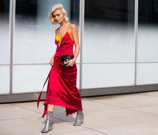Как и с чем носить шелковые платья?