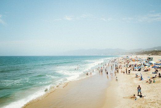 Когда и где дешевле отдыхать на море?