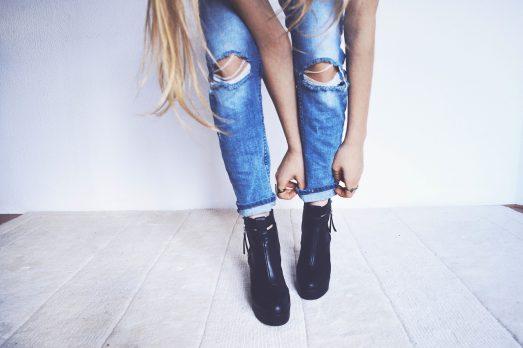 Джинсы и классическая обувь
